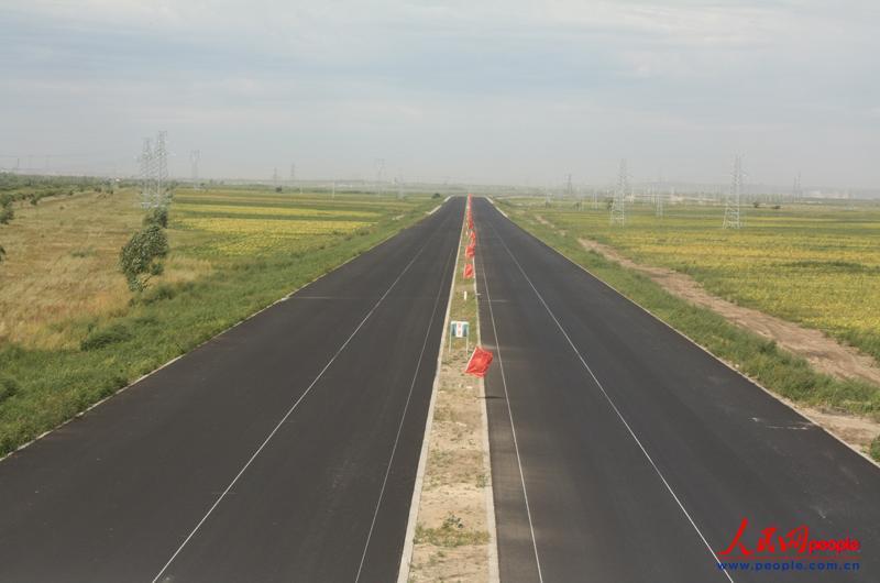 高清:武警交通七支队完成承德至秦皇岛高速公路建设任务为十八大献礼