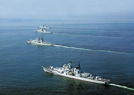 张召忠:中国现代级驱逐舰可做航母护航舰艇--军
