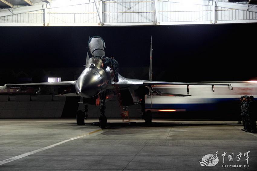 HD: un nuevo caza pesado Shen vaciar práctica abierta noche-vuelo [5]