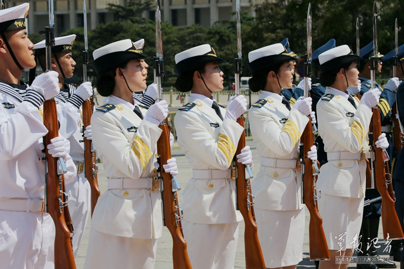 我军历史上首批仪仗女兵在京正式亮相【8】