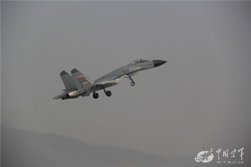 中国空军歼10等7型23架飞机参加上合组织联合军演