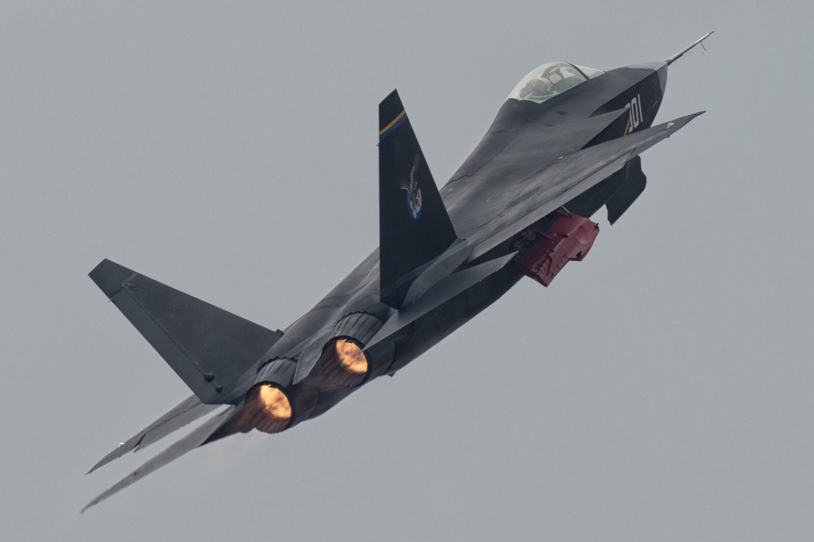 高清 歼31帅气比肩F35 发动机清晰可见