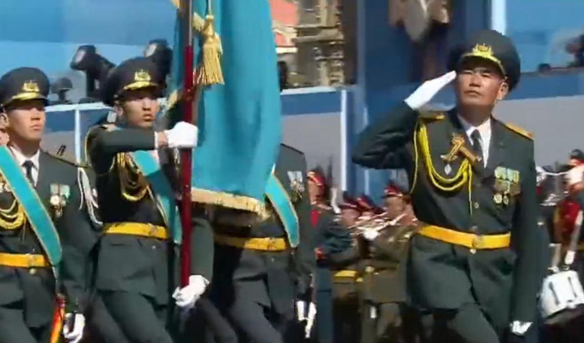 哈萨克斯坦陆军军事学院方队