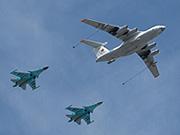 伊尔-78加油机和苏-30战斗机