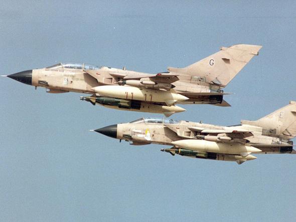 """英国""""旋风""""战机降落时两枚导弹脱落 未发生爆炸"""