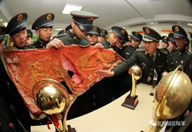 """31家媒体齐聚""""雄鹰""""特战旅,这个部队为何这么牛?"""