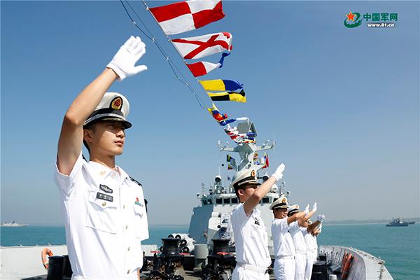"""中国海军""""说走就走的旅行""""源于强大的自信"""