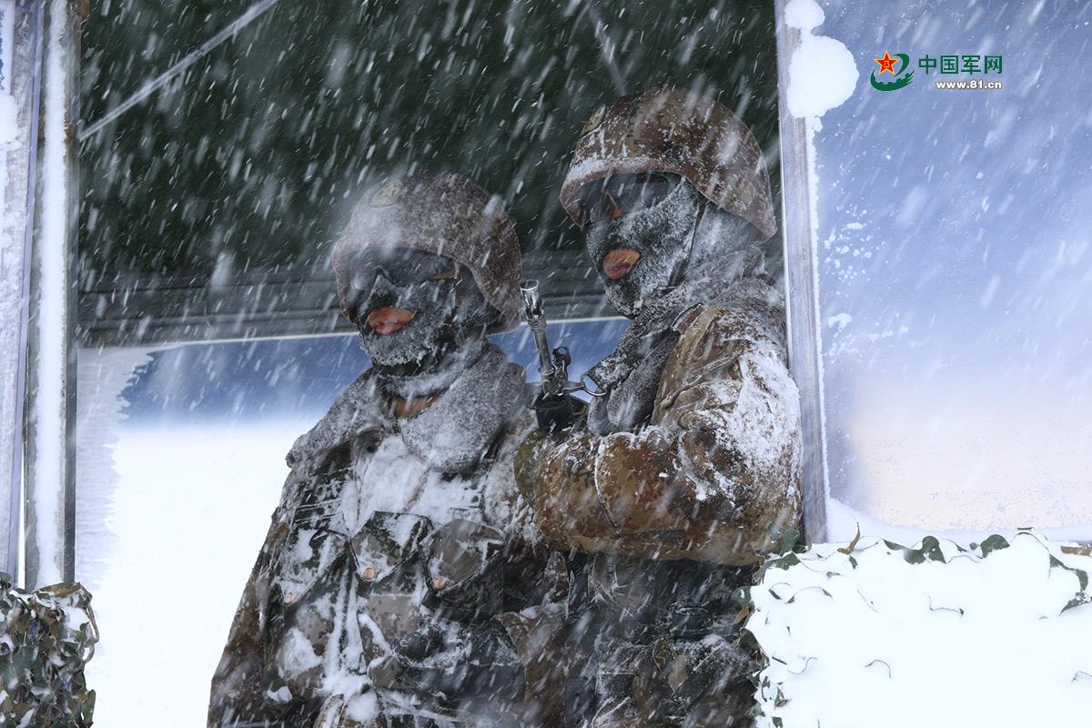 @边防官兵 在海拔4700米的风雪中坚守,你还好吗?