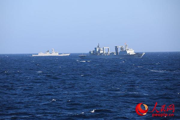 开始进行联合护航。 刘鑫 摄