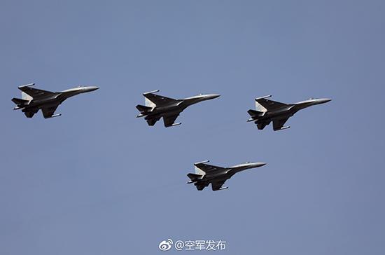 苏-35编队