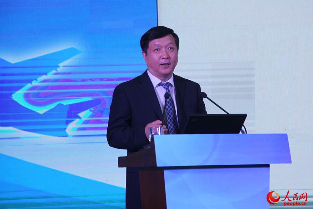 歼-20总设计师杨伟作主题演讲。人民网记者 吴超摄
