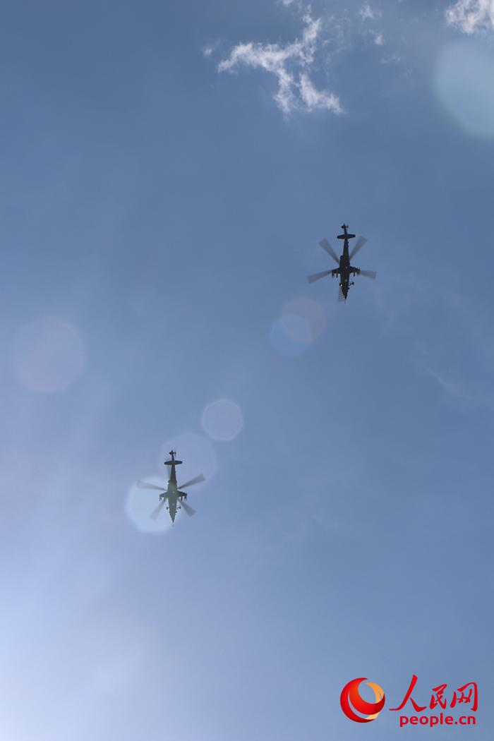 直-10双击编队