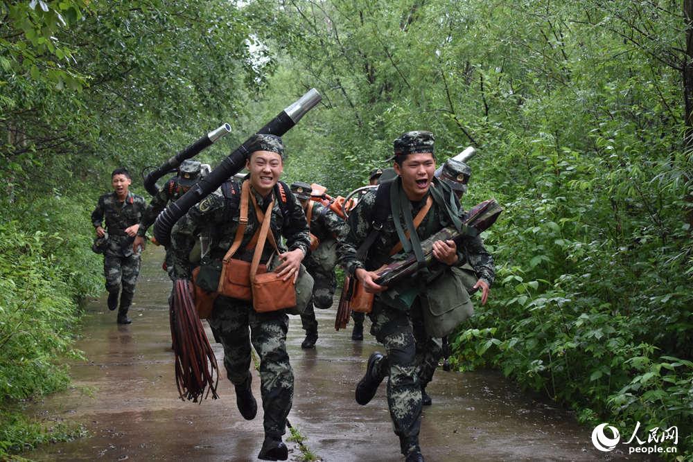 武警内蒙古大兴安岭森林支队聚焦灭火练精兵