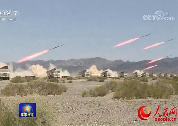 新疆军区某师:以快制胜 多型火炮精确打击