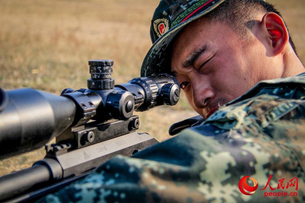 武警狙击手一击必杀