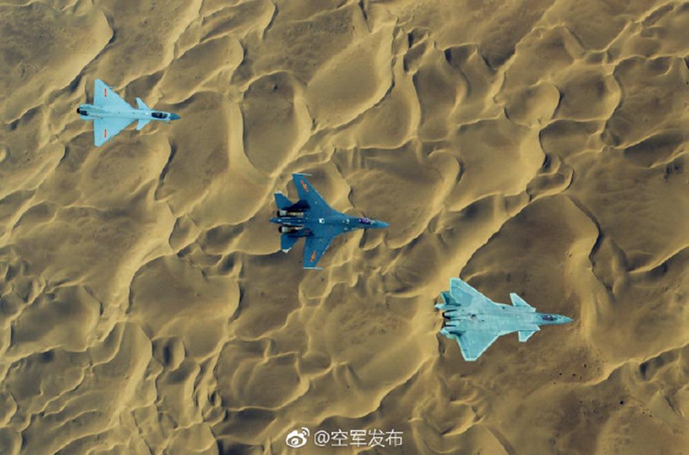 专家:歼-20可跨军种与所有空中平台联合作战 提升空战能力【4】