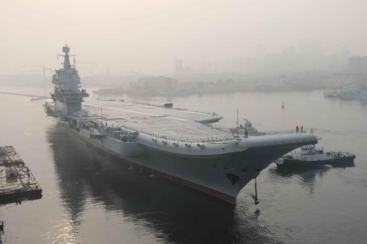 国产航母第四次海试 专家:交付海军指日可待