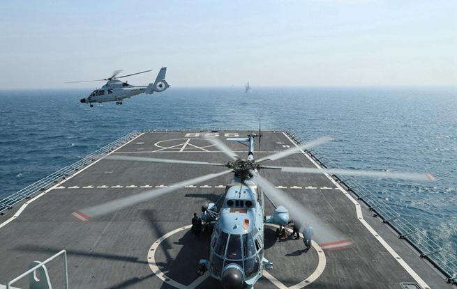 """""""和平-19""""多国海上联演进行海上阶段实兵演练"""