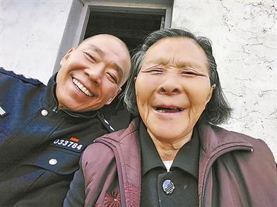 退伍老兵34年照顾烈士父母抒写最美承诺