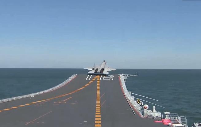 人民海军:燃!帅气的人民海军航空兵部队来了