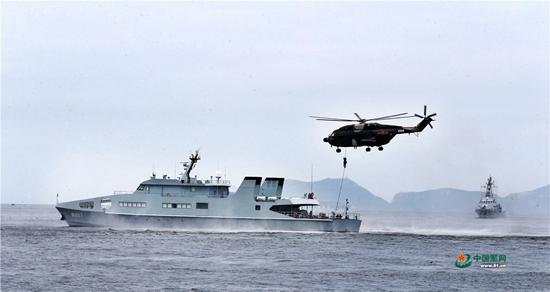驻港部队联合海空巡逻演练细节披露