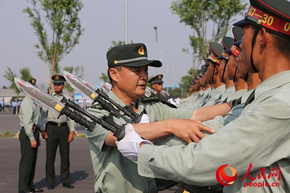 陸軍方隊方隊長潘守勇:今日閱兵場連著未來戰