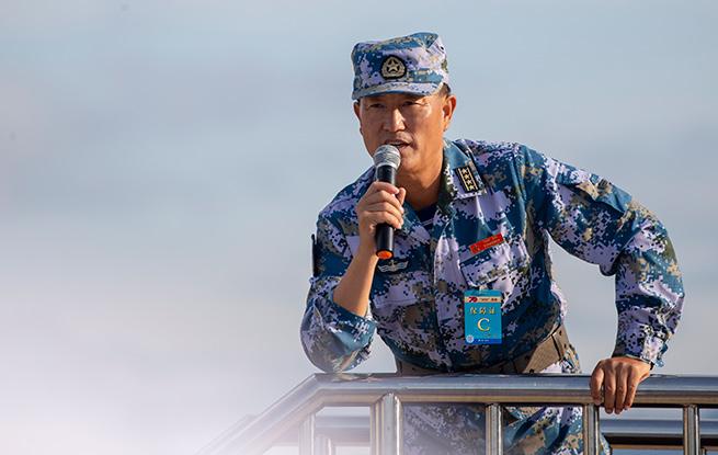 海军方队主教练潘立新:四次阅兵式,一生军旅情