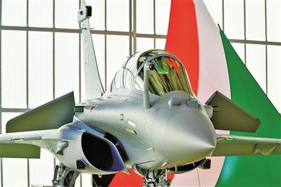 """首架""""阵风""""战斗机交付印度空军"""