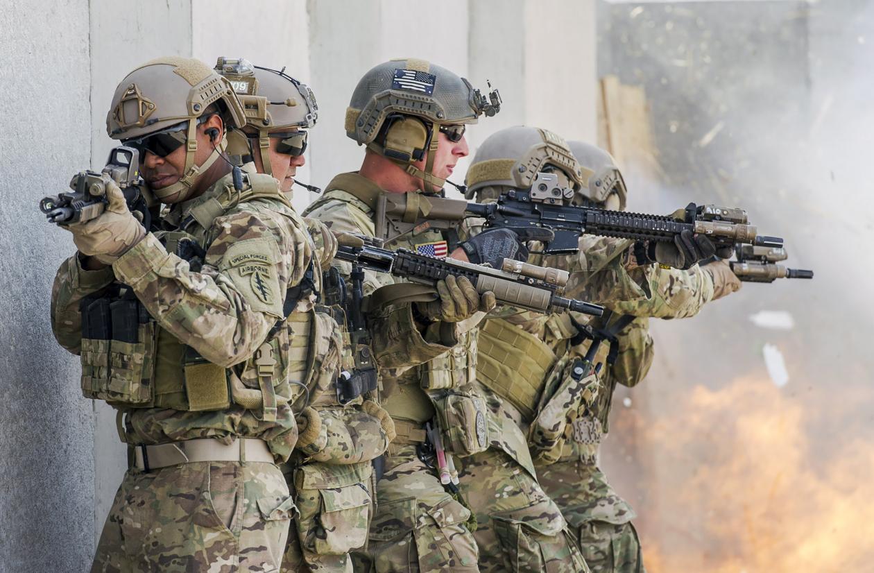 """揭秘美军如何""""斩首""""巴格达迪:多兵种密切配合军犬立功"""