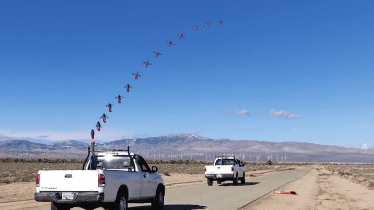 美国人把投球机搬上战车用来快速发射无人侦察机
