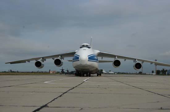 以便研制和生产载重量,航程增加的安-124型飞机,但是到现在为止没有