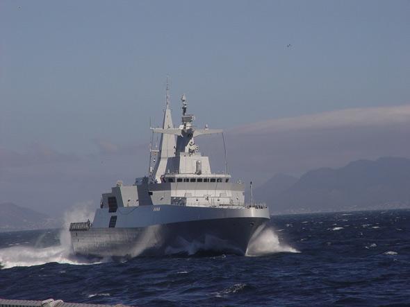 الجزائر تعاقدت على 4 فرقاطات MEKO A-200 في صفقة 2.8 مليار دولار  F2006090716114700318