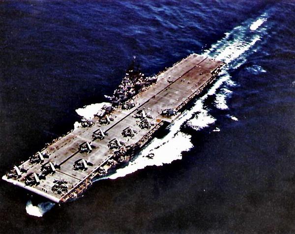 """在中途岛被击沉的美国海军""""约克城""""号航空"""
