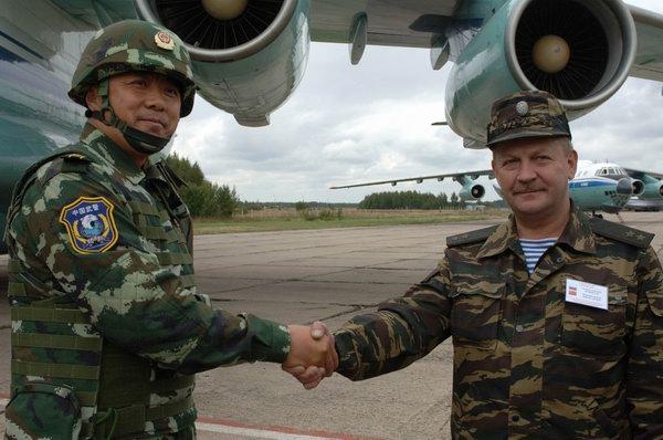 中国武警 雪豹突击队 抵达莫斯科图片