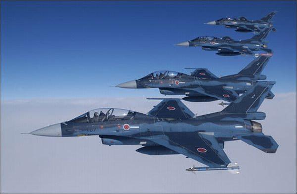F 2 (航空機)の画像 p1_14