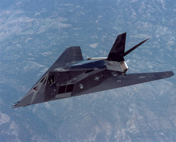 美军告别第一代隐形战机