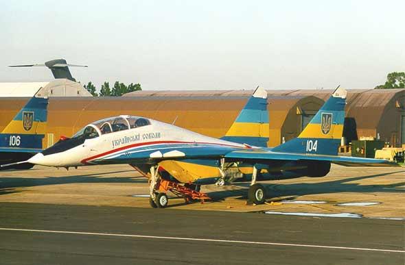 这是哪个国家的飞机,涂装真像中国的八一..