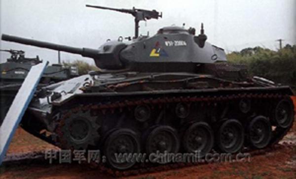 霞飞 M24 轻型坦克