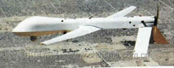 国别:美国   类别:军用飞机 侦察、预警、电子战飞机   发展过程 :   捕食者无人机是美军首次装备实用型合成孔径雷达的无人侦察机。美国军方于 1994 年 1 月 7 日开始研制。至 1996 年仍处于试验阶段,目前少量装备美军。   性能特点:   续航时间长,可提供 24 小时的连续战场监视情报。   操作简单,便于运输,维修性好。整套系统可用 5 架 C-130 或 2 架 C-141 运输机运输,到达目的地 6 小时后可开展工作。   隐身效果好,生存能力强。其雷达截面积仅为1平