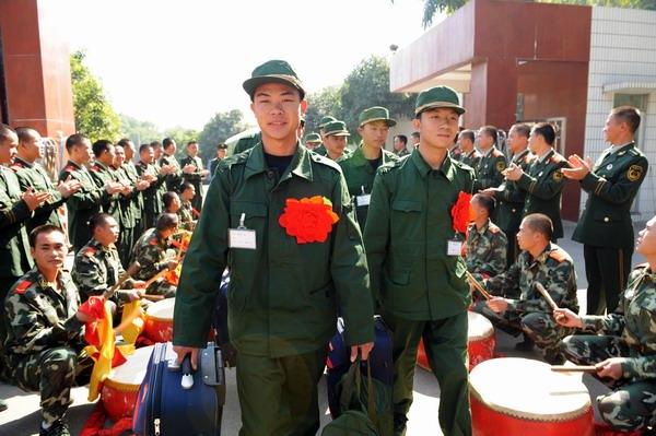 新兵入伍照片_又是一年新兵入伍时