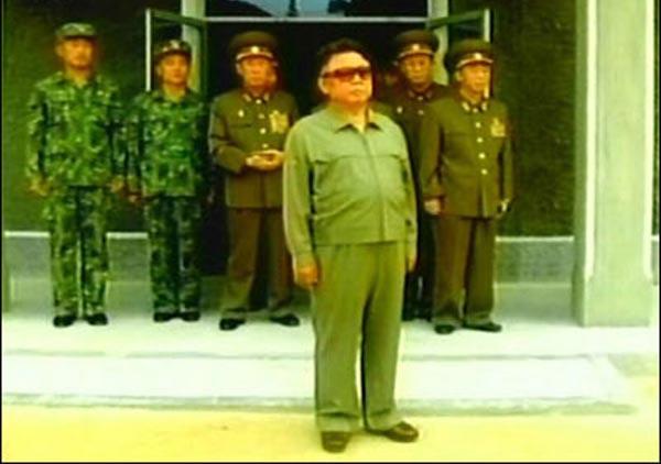 资料图 朝鲜最高领导人金正日视察部队-朝鲜宣布侦破暗杀金正日阴谋 图片