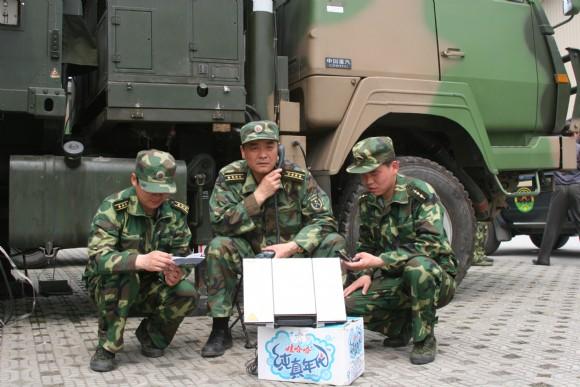 推进信息化条件下通信兵联合军事训练转变