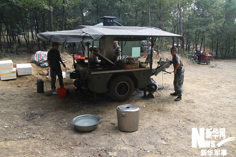 野战记者车.+v记者:新华军事炊事工程项目视频图片