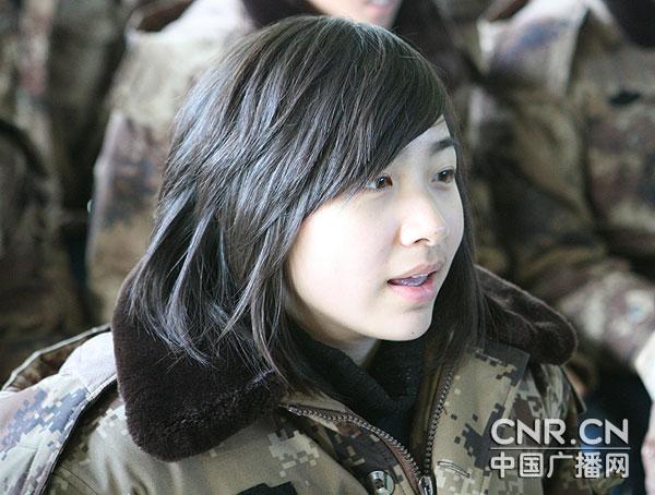 组图:中国空军空一师漂亮女兵