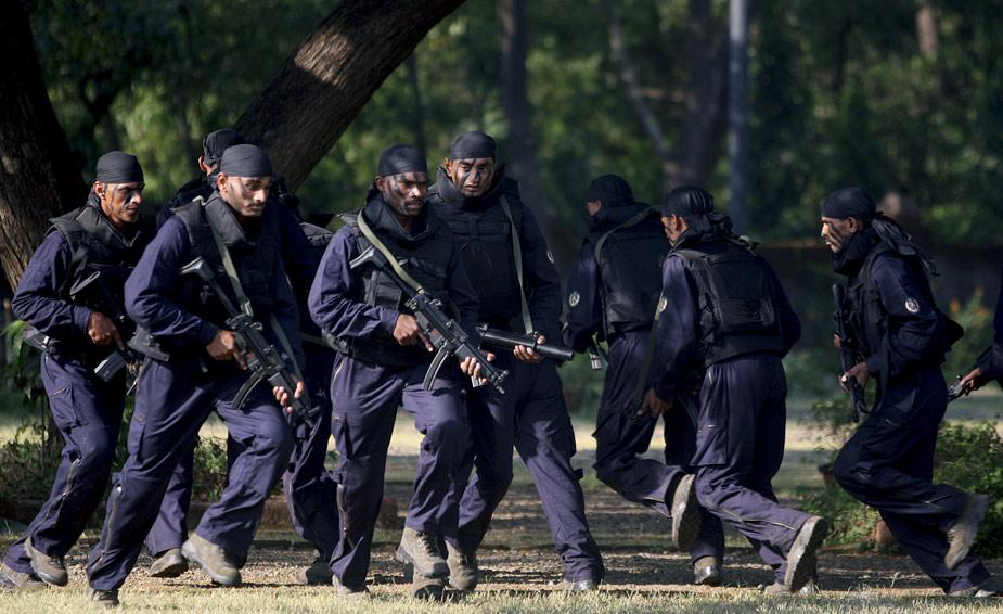 图集 印度精英特种部队接受检阅图片