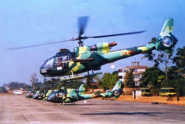 """中国 陆航/中国陆军航空兵""""小羚羊""""武装直升机"""