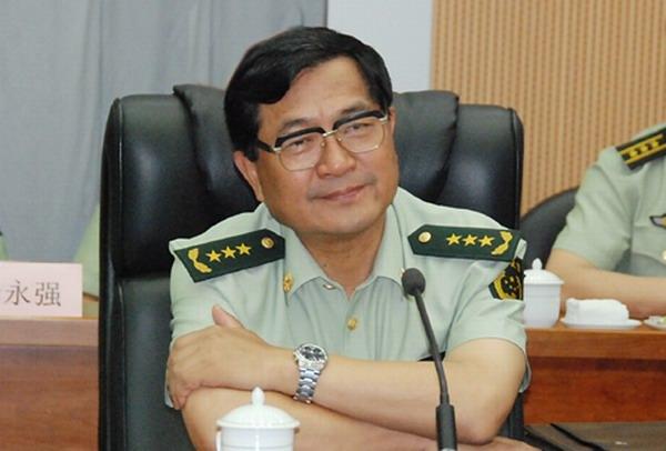 月24日,时任武警部队司令员的吴双战与政委喻林祥率武警总部和水图片