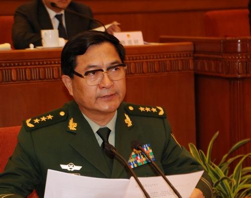 0日上午,时任武警部队司令员吴双战在十一届全国人大常委会第八图片