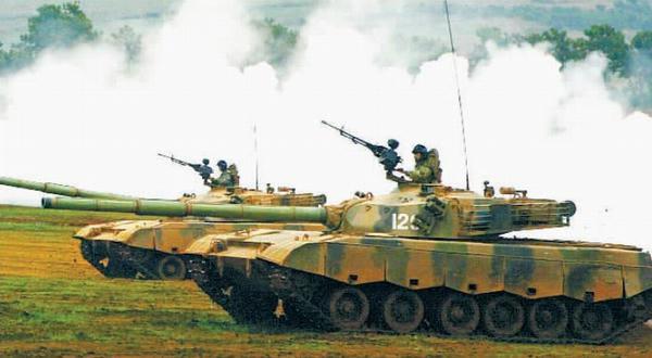 请教:为什么坦克兵还用传统的坦克帽