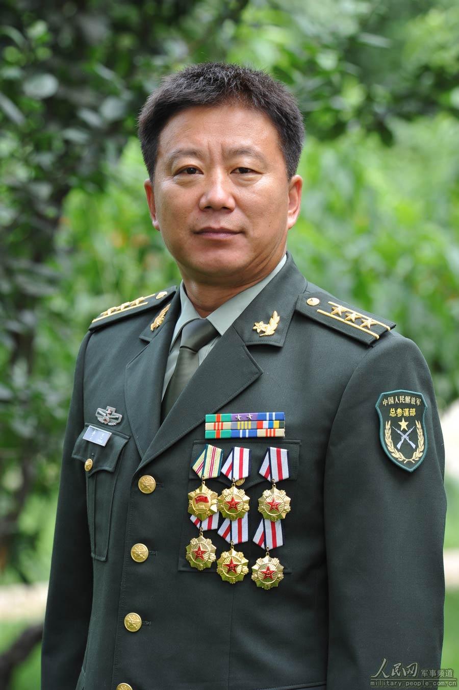 英雄军事五项队 军事 人民网高清图片